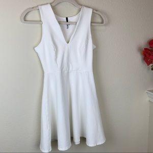 NWOT - Very Pretty White Dress